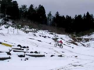 雪のヒルクライム
