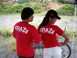 KRAZyTシャツ赤