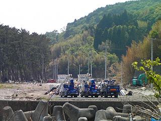 電線工事車両