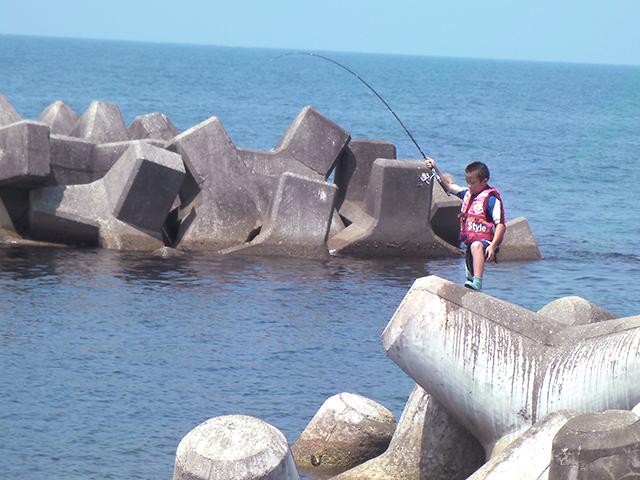 テトラで釣り